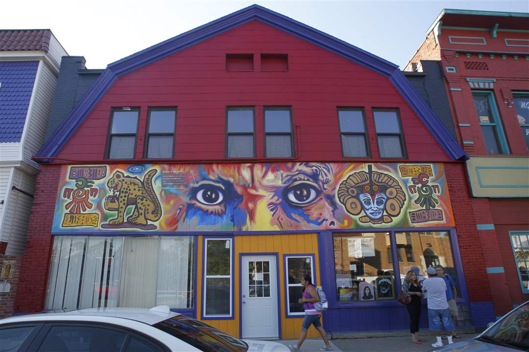 Broadway-murals-Picaso-Eyes